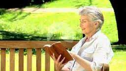 woman-read